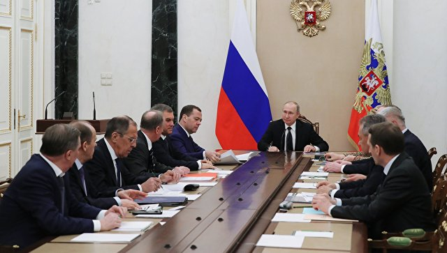Президент РФ Владимир Путин проводит совещание с постоянными членами Совета безопасности РФ. 15 марта 2018.
