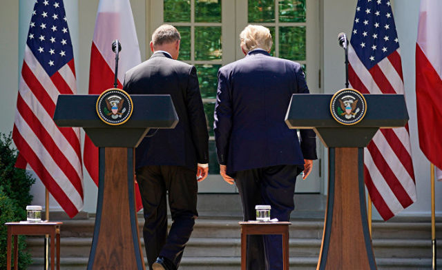Президент США Дональд Трамп и президент Польши Анджей Дуда во время совместной пресс-конференции в Вашингтоне