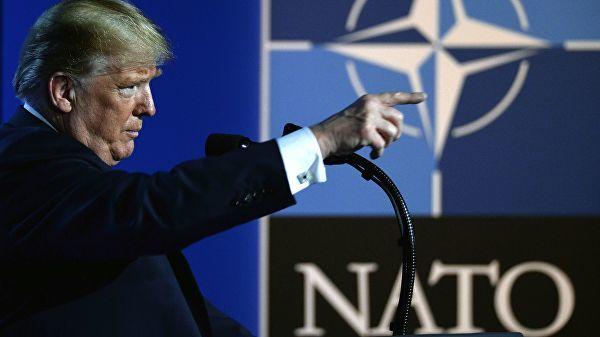 Президент США Дональд Трамп на саммите глав государств и глав правительств стран-участниц НАТО в Брюсселе