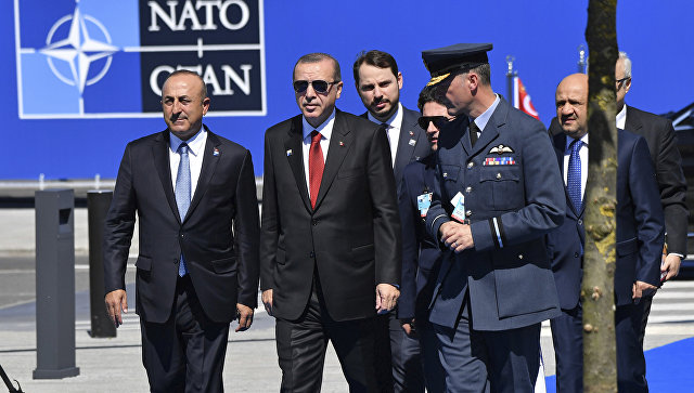 Президент Турции Реджеп Тайип Эрдоган на саммите НАТО в Брюсселе.