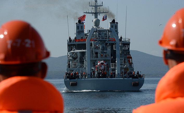 Прибытие отряда боевых кораблей ВМС Китая во Владивосток.