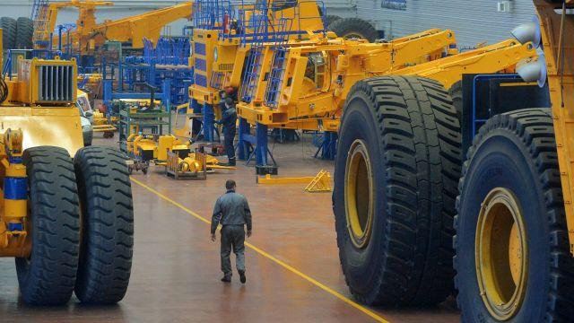 Производство большегрузных самосвалов на заводе БелАЗ