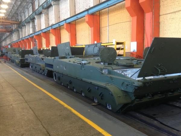"""Производство БМП-3 на ОАО """"Курганмашзавод""""."""