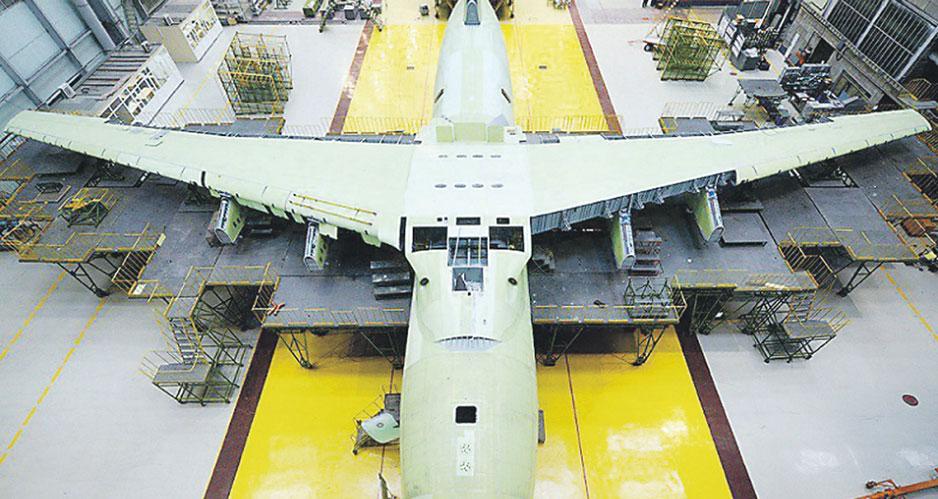 Производство самолётов на заводе «Авиастар-СП».