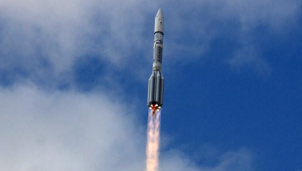 «Роскосмос» уводит контракты у Илона Маска