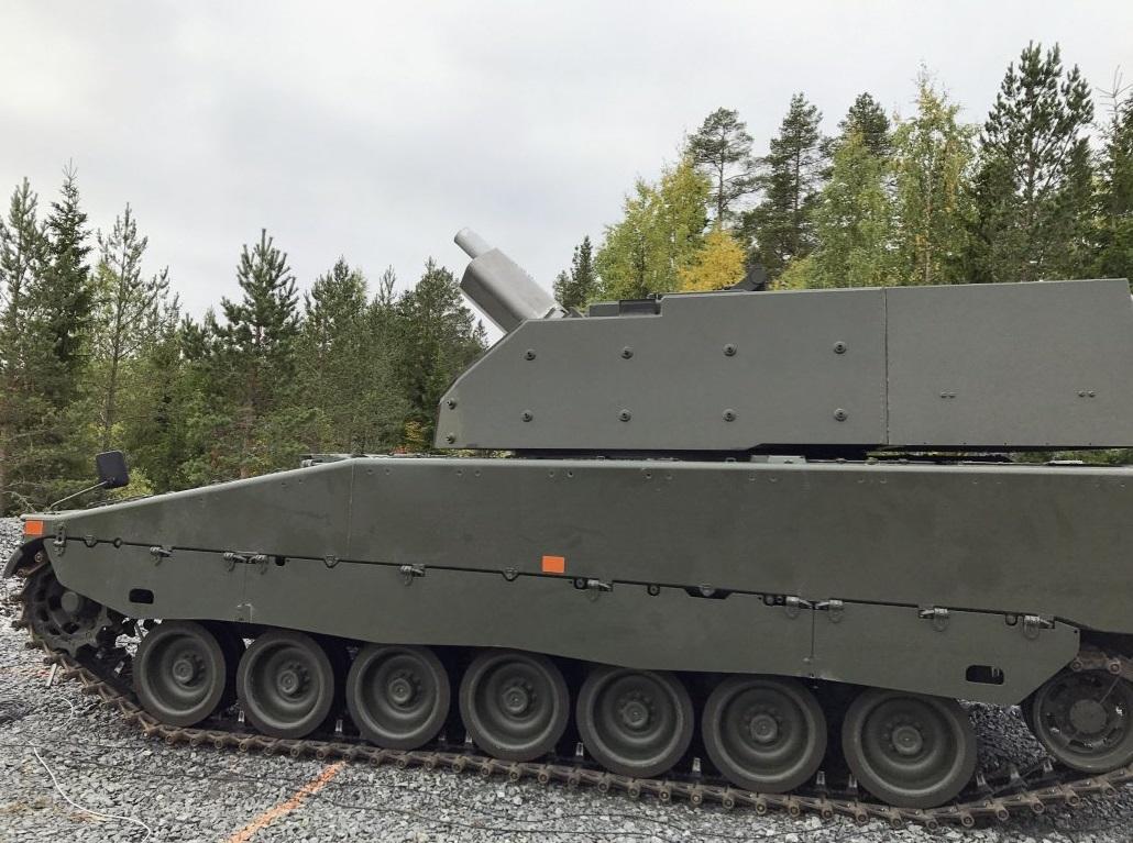 Прототип-демонстратор шведской 120-мм самоходной минометной системы Mjölner (Granatkastarpansarbandvagn 90120) на шасси БМП CV90.