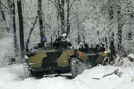 Проведение сухопутных операций – единственная возможность достичь успеха на театре военных действий. Фото с сайта www.mil.ru