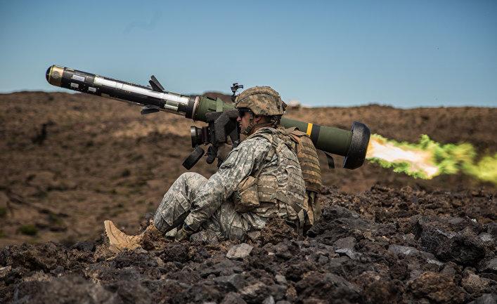 Американский переносной противотанковый ракетный комплекс (ПТРК) FGM-148 Javelin.