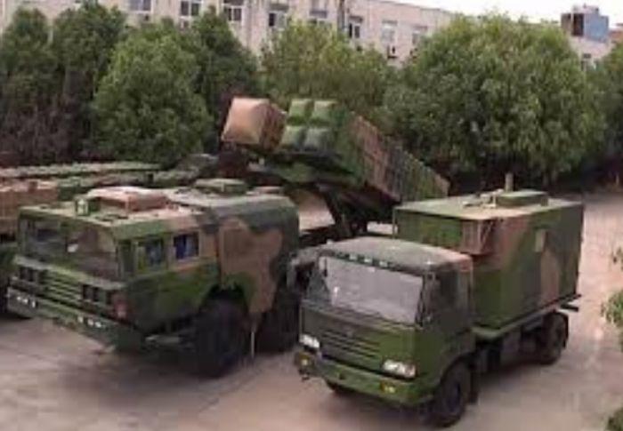 Оперативно-тактический ракетный комплекс разработки и производства китайской государственной корпорации China Aerospace Science and Industry Corporation (CASIC) с демонстрацией одновременного размещения на одной пусковой установке транспортно-пусковых контейнеров с одной баллистической ракетой BP-12A и четырьмя ракетами SY400.