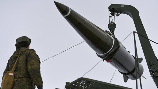 Пуск баллистической ракеты ОТРК Искандер-М. Архивное фото