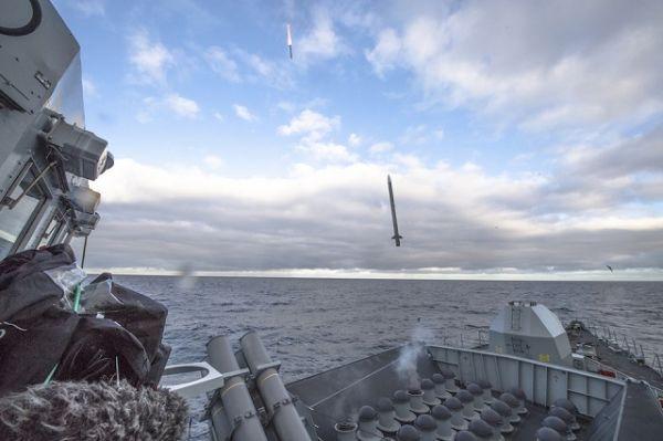Пуск ракет Sea Ceptor с фрегата HMS Argyll.
