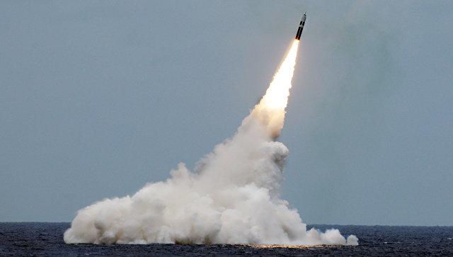 Пуск ракеты подводного базирования Trident II D5.