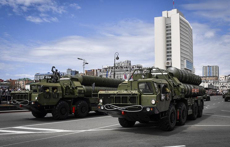 """Пусковые установки ЗРС С-400 """"Триумф""""."""