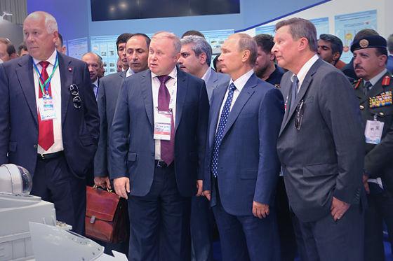 Путин на стенде Швабе на МАКС-2015