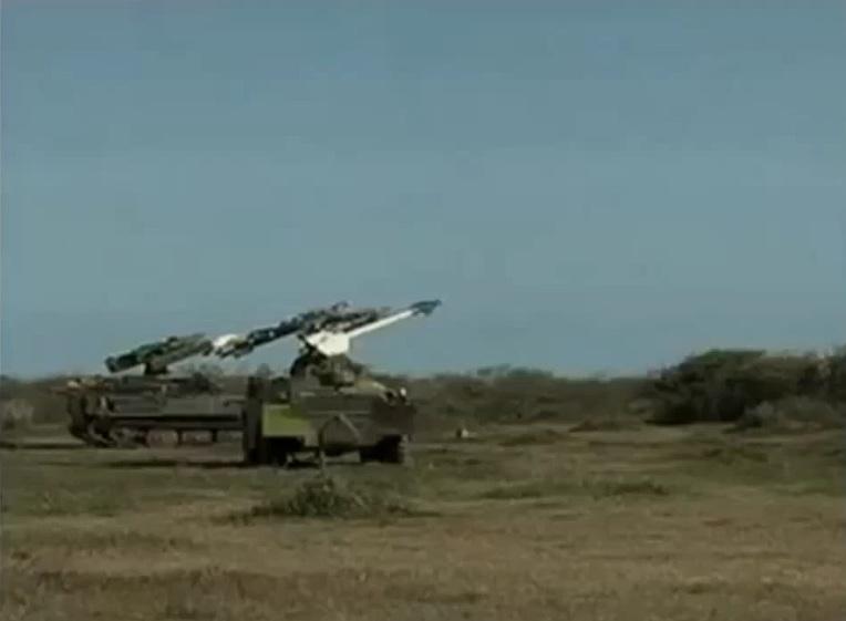 """Импровизированный кубинский ЗРК, использующий в качестве ЗУР старые советские ракеты класса """"воздух-воздух"""" малой дальности типа Р-13М."""