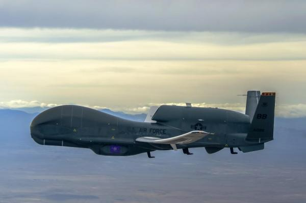Датчик MS-177 на борту RA-4 Global Hawk.