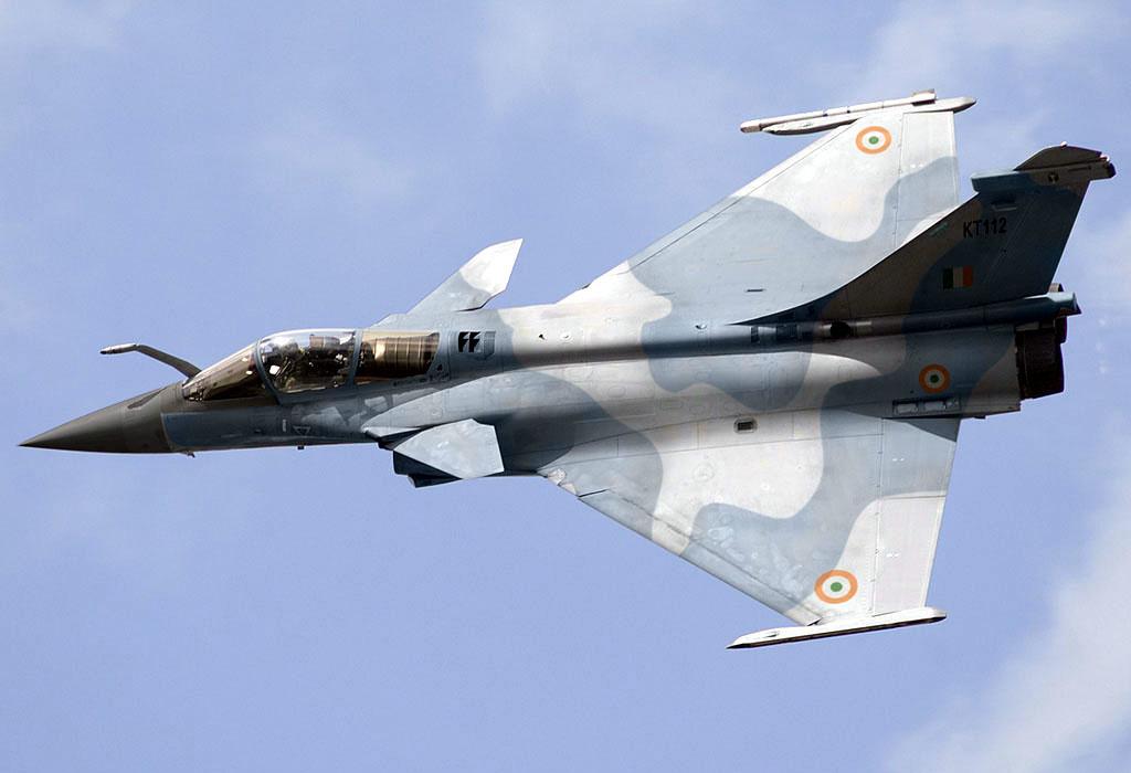 Истребитель Dassaul Rafale с опознавательными знаками ВВС Индии.