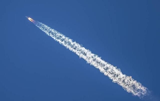 """Ракета-носитель CZ-5 (""""Чанчжэн-5"""") с зондом """"Тяньвэнь-1"""""""