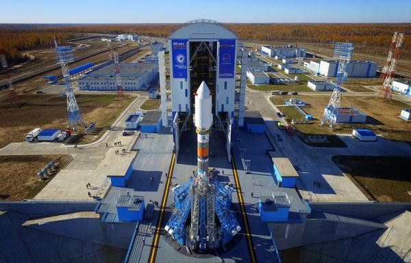 """Ракета-носитель """"Союз-2"""" с разгонным блоком """"Фрегат"""" во время испытаний стартового комплекса на космодроме Восточный"""