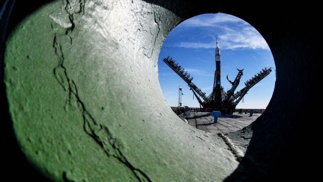 """Ракета-носитель """"Союз-ФГ"""" на стартовой площадке космодрома Байконур"""