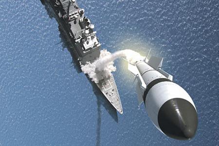 Ракета-перехватчик устремилась к цели. Иллюстрация с сайта www.raytheon.com