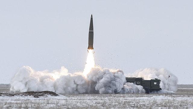 Ракетчики ЗВО на полигоне Капустин Яр выполнили боевой пуск ракеты ОТРК Искандер-М. 5 марта 2018.