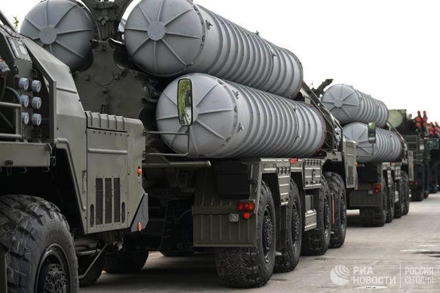 Ракетный комплекс С-400. Архивное фото