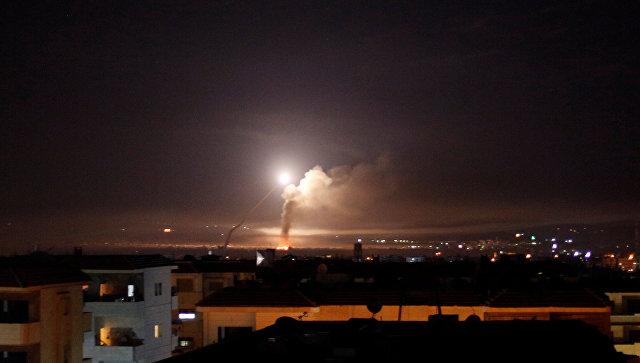 Ракетный огонь на Дамаском, Сирия. 10 мая 2018.