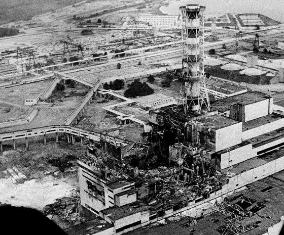 Разрушенный блок Чернобыльской АЭС