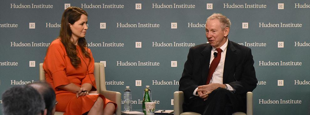 Старший научный сотрудник Hudson Institute Ребекка Хейнрикс и заместитель министра обороны США Майкл Гриффин.