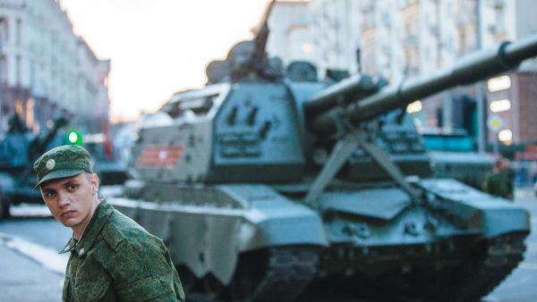 Репетиция военного парада к Дню Победы