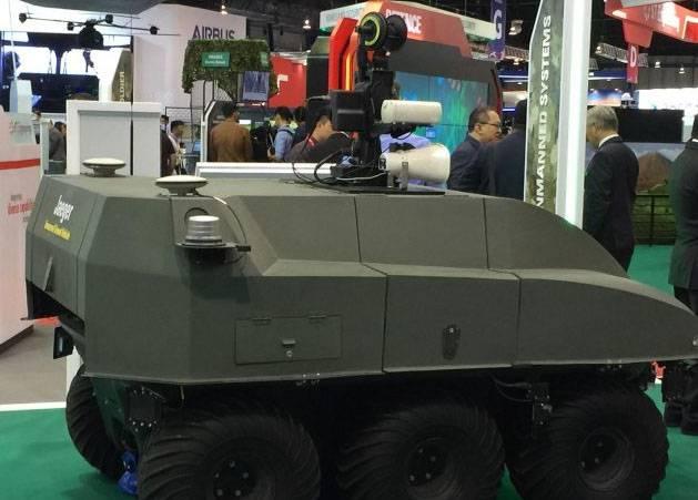 """Вариант наземного колёсного боевого робота """"Jaeger 6""""."""