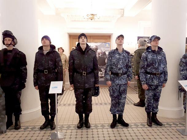 Образцы военной формы, предлагаемые для военнослужащих Росгвардии.