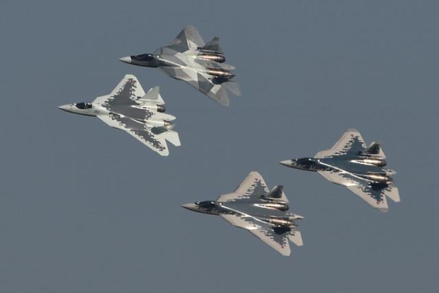 Российские истребители Су-57 на авиасалоне МАКС-2019