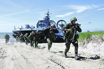 Российские морпехи на учениях. Фото с сайта www.mil.ru
