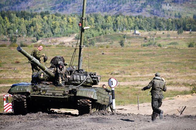 Российские танки на учениях. Архивное фото