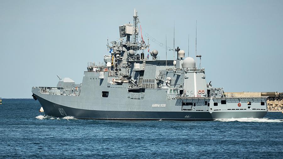 Российский фрегат «Адмирал Эссен» проследит за вошедшим в Черное море эсминцем США