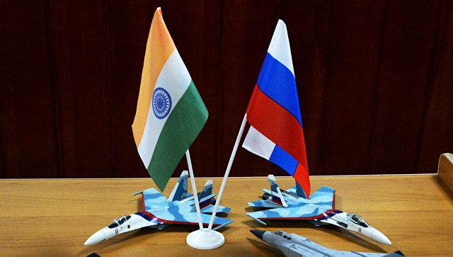 Российский и индийский флаги. Архивное фото.
