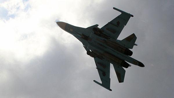 Российский истребитель-бомбардировщик. Архивное фото