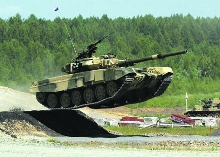 """Российский """"летающий"""" танк Т-90 считается мировым бестселлером."""