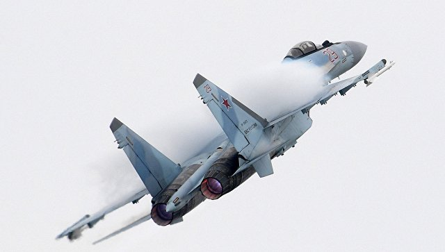 Российский многоцелевой истребитель Су-35. Архивное фото.