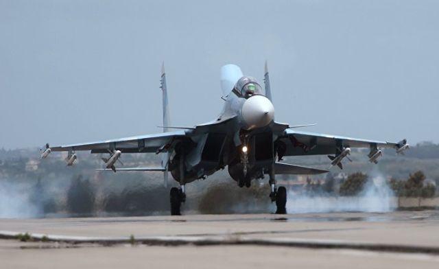 Российский самолет Су-30