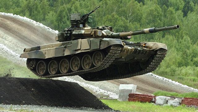 Российский танк Т-90С. Архивное фото.