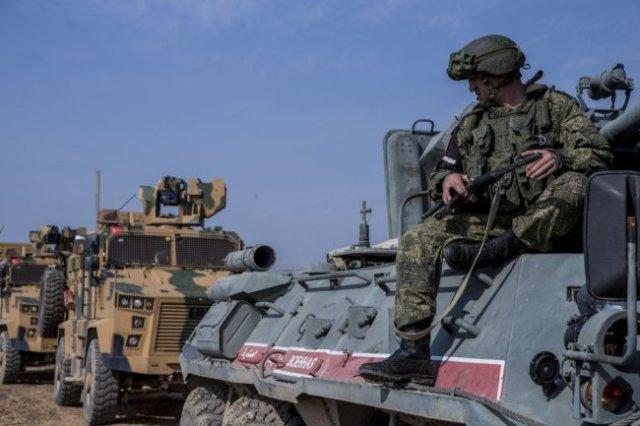 Российско-турецкий патруль в Сирии.