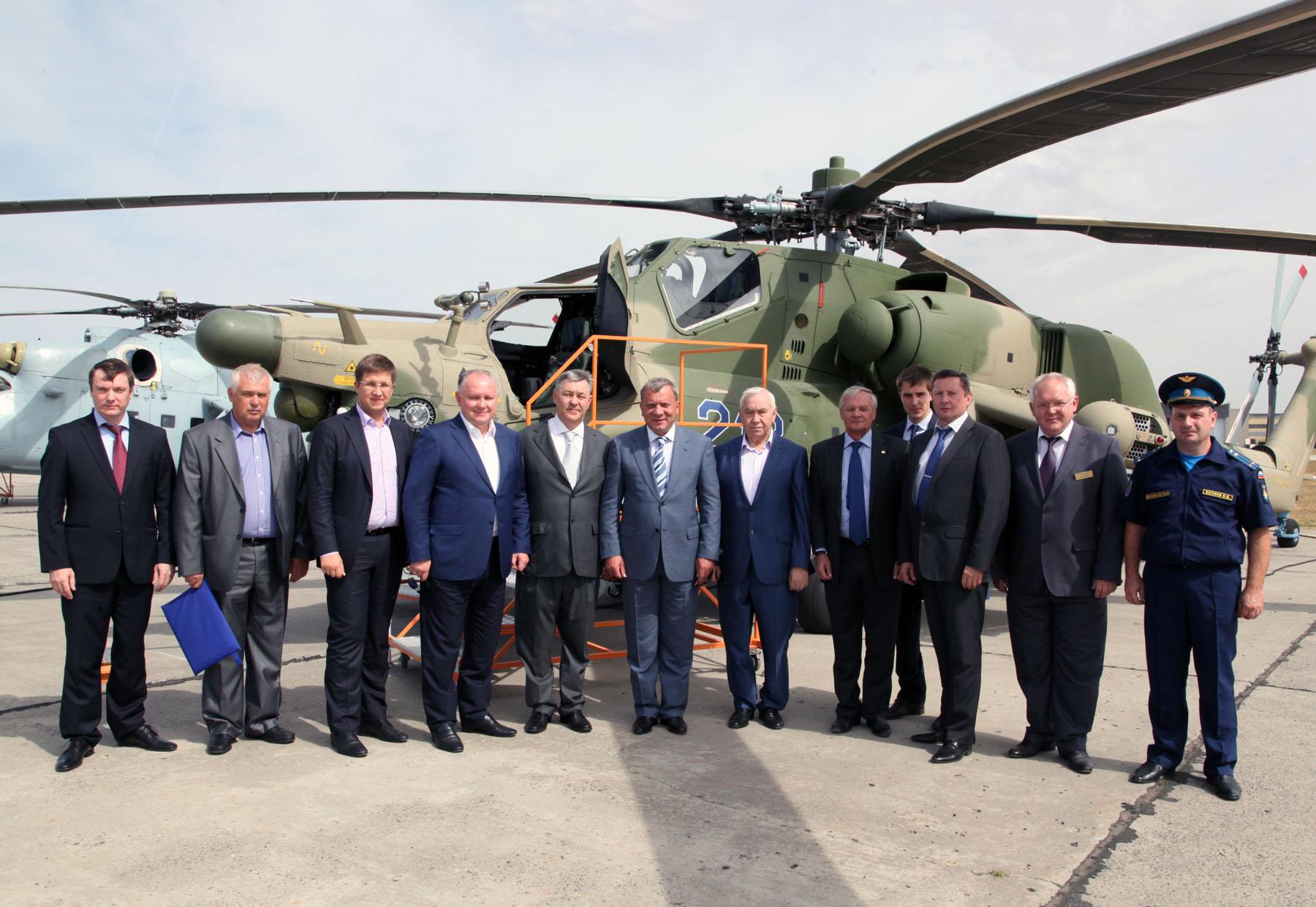 Заместитель Министра обороны России Юрий Борисов с рабочим визитом на заводе «Роствертол».