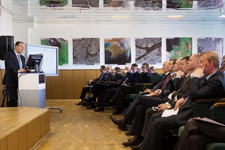Участники реального присутствия на вебинаре РКС и РОСКОСМОСа.