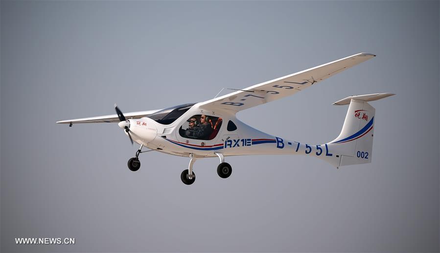 Электрический самолет RX1E (КНР).