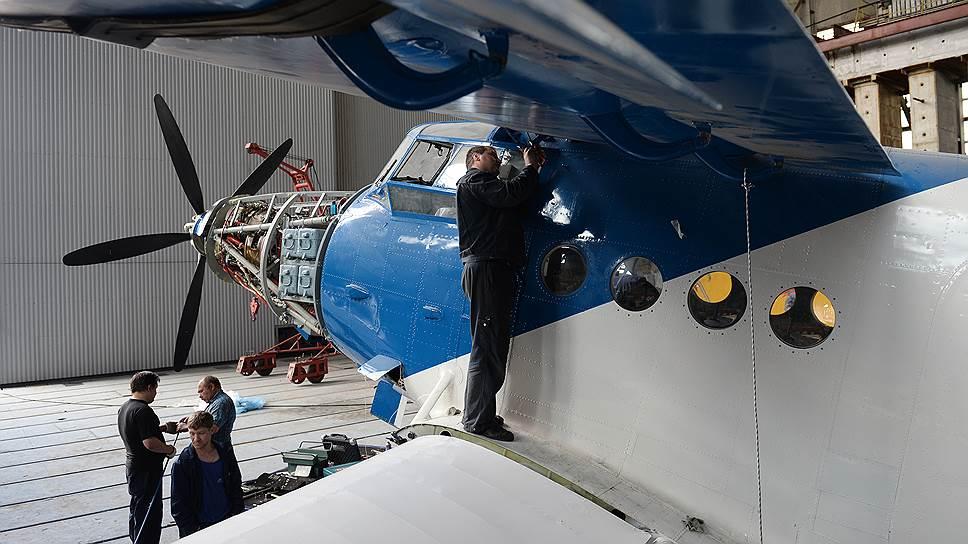 С 1971 года Ан-2 в нашей стране уже не строили, лишь модернизировали — в частности, ставили на них американские турбовинтовые двигатели.
