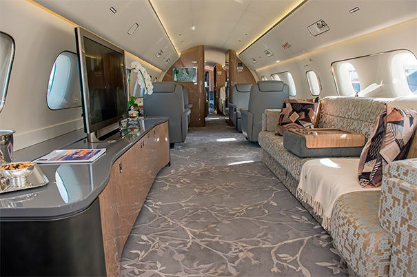 Салон Embraer Lineage 1000E