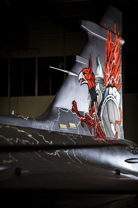 Полноразмерный макет самолета Saab Gripen Aggressor.